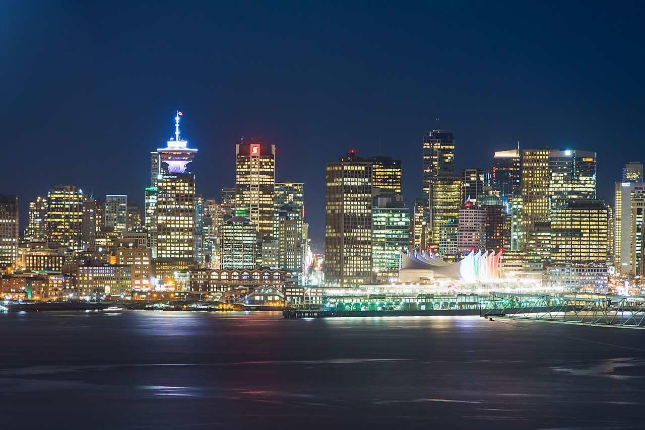 Main Photo: 1705 188 E ESPLANADE in North Vancouver: Lower Lonsdale Condo for sale : MLS®# R2148566