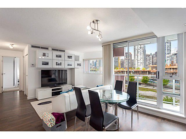 Main Photo: # 501 918 COOPERAGE WY in Vancouver: Yaletown Condo for sale (Vancouver West)  : MLS®# V1120182