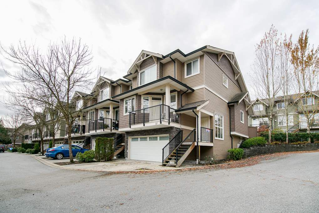 Main Photo: 32 11720 COTTONWOOD DRIVE in Maple Ridge: Cottonwood MR Townhouse for sale : MLS®# R2321317
