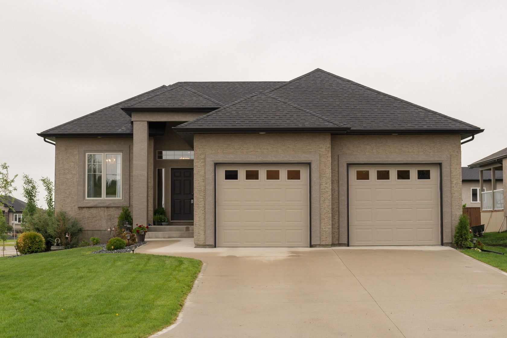 Main Photo: 2 Lowe Crescent: Oakbank Single Family Detached for sale (R04)  : MLS®# 1814754