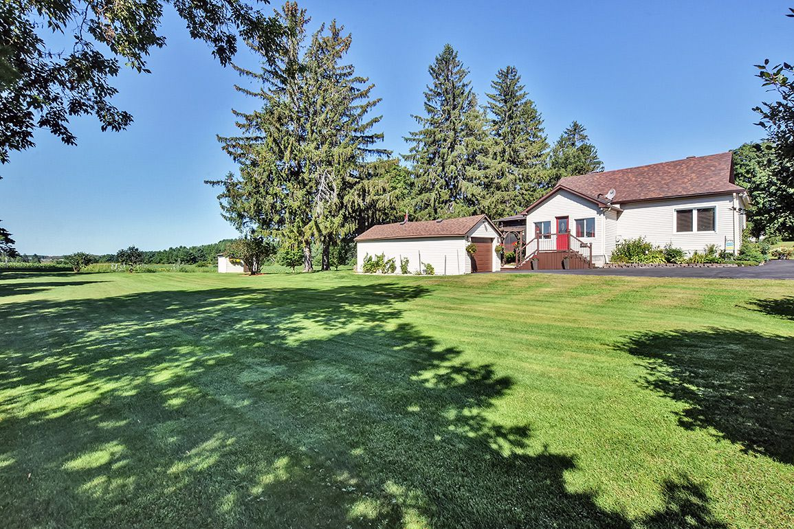 Photo 3: Photos: 5000 Dunning Road in Ottawa: Bearbrook House for sale