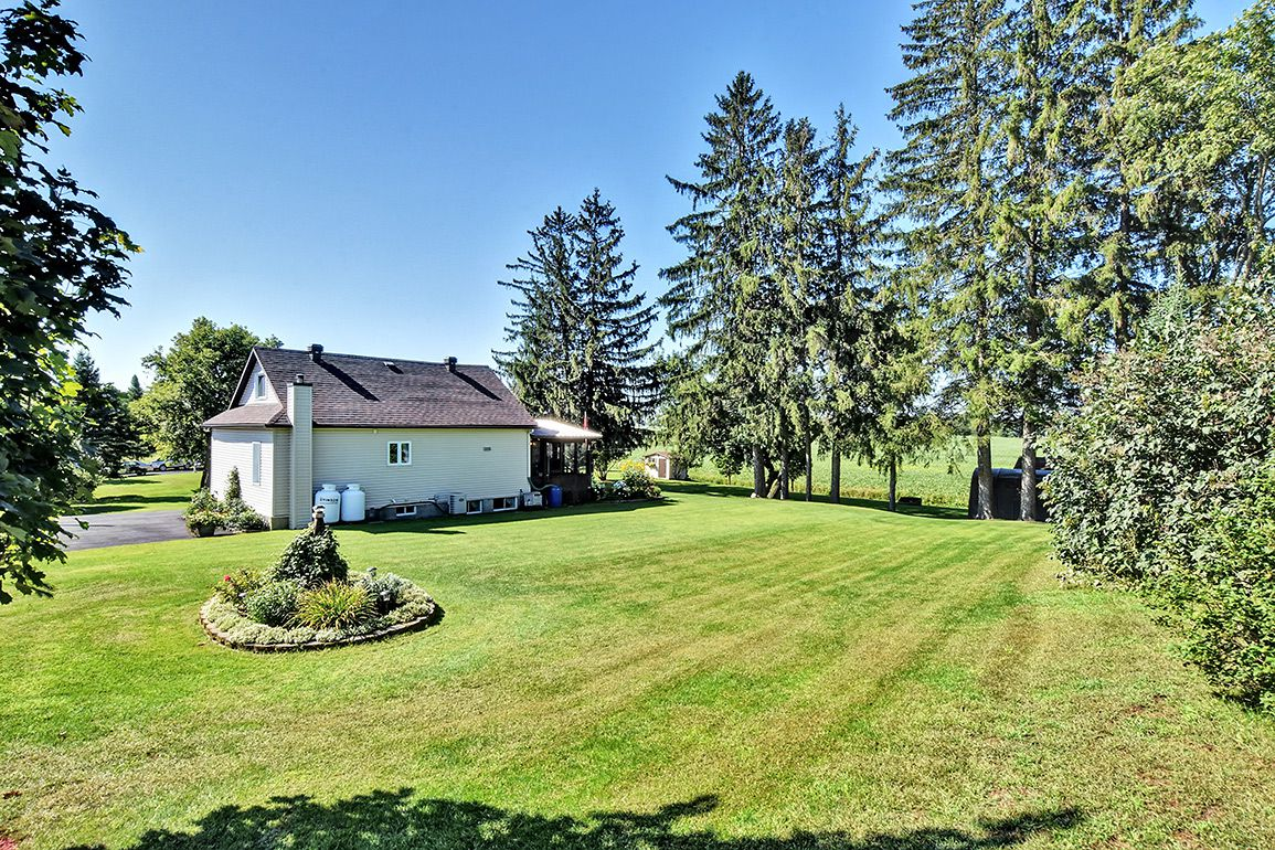 Photo 4: Photos: 5000 Dunning Road in Ottawa: Bearbrook House for sale