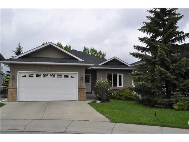 Welcome to this Great Fully Finished Walkout Bungalow with 3 Bedrooms up, on a Cul-de-sac and along the Water and Pathways!