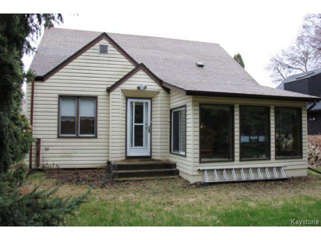 Main Photo: 6 Beechwood Place in WINNIPEG: St Boniface Residential for sale (South East Winnipeg)  : MLS®# 1410877