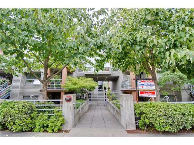 Main Photo: 3167 W 4TH AV in Vancouver: Kitsilano Condo for sale (Vancouver West)  : MLS®# V1131106
