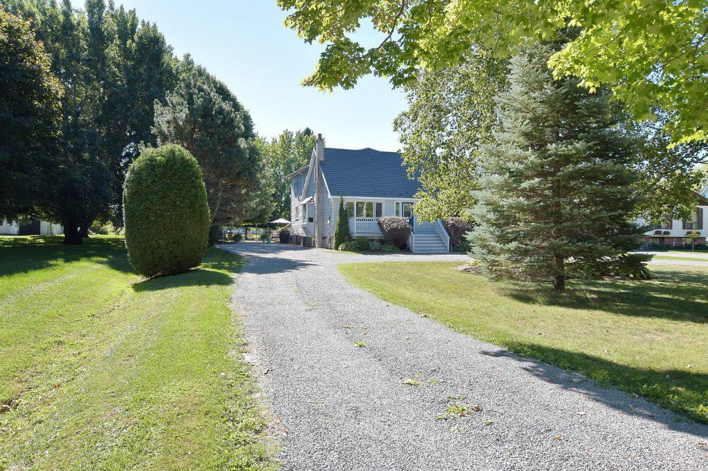 Main Photo: 641 Main Street in BEAVERTON: Brock Freehold for sale (Durham)  : MLS®# N3610346