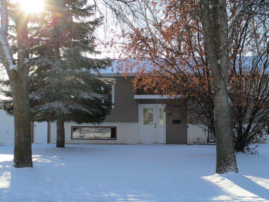 Main Photo: 241 Edward Avenue in DAUPHIN: Manitoba Other Residential for sale : MLS®# 1320917