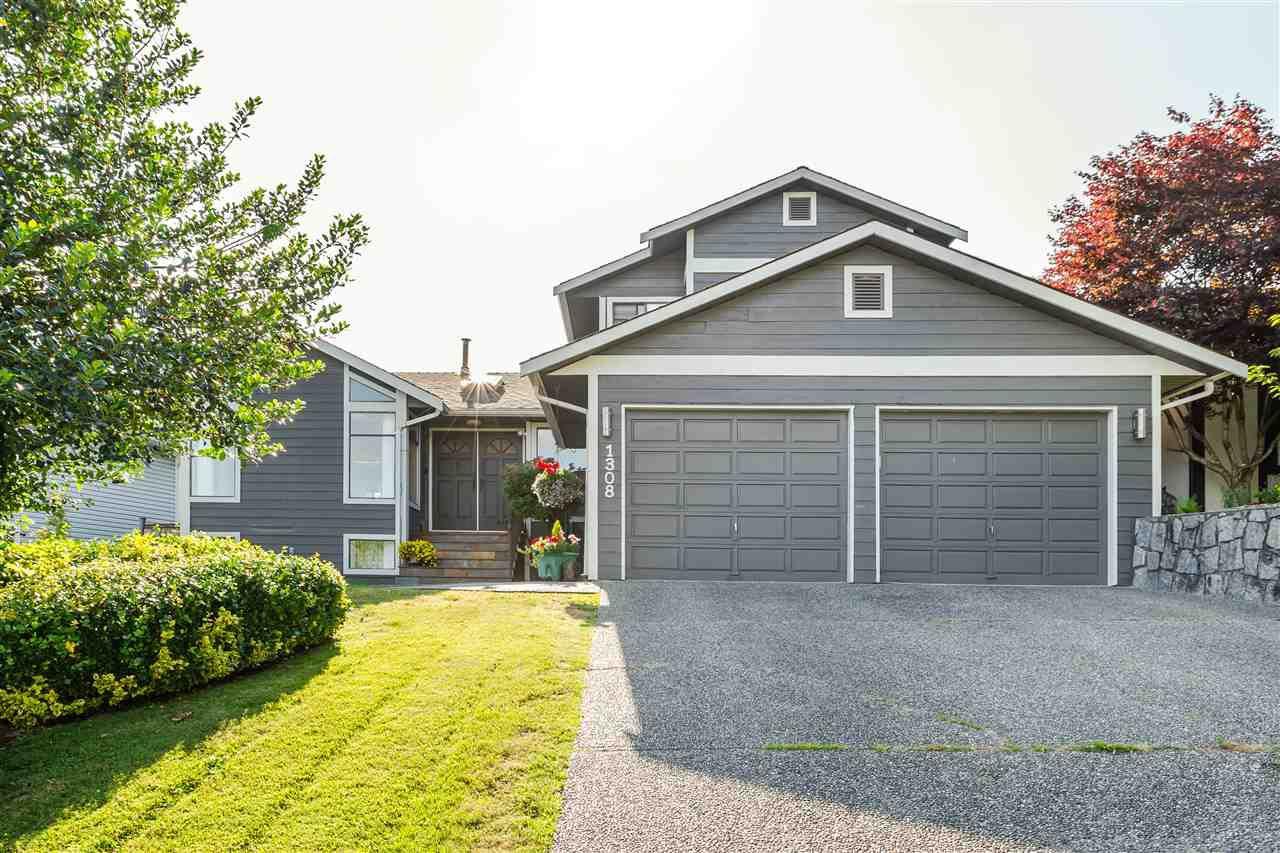 Main Photo: 1308 HONEYSUCKLE Lane in Coquitlam: Summitt View House for sale : MLS®# R2387835