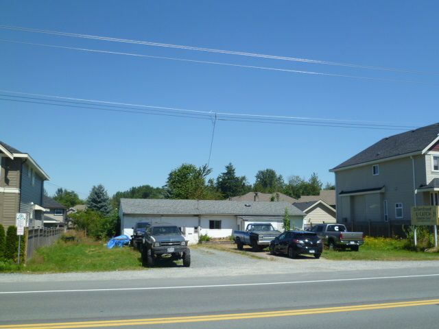 "Main Photo: 27745 FRASER Highway in Abbotsford: Aberdeen House for sale in ""Abderdeen -West Abbotsford"" : MLS®# F1418683"