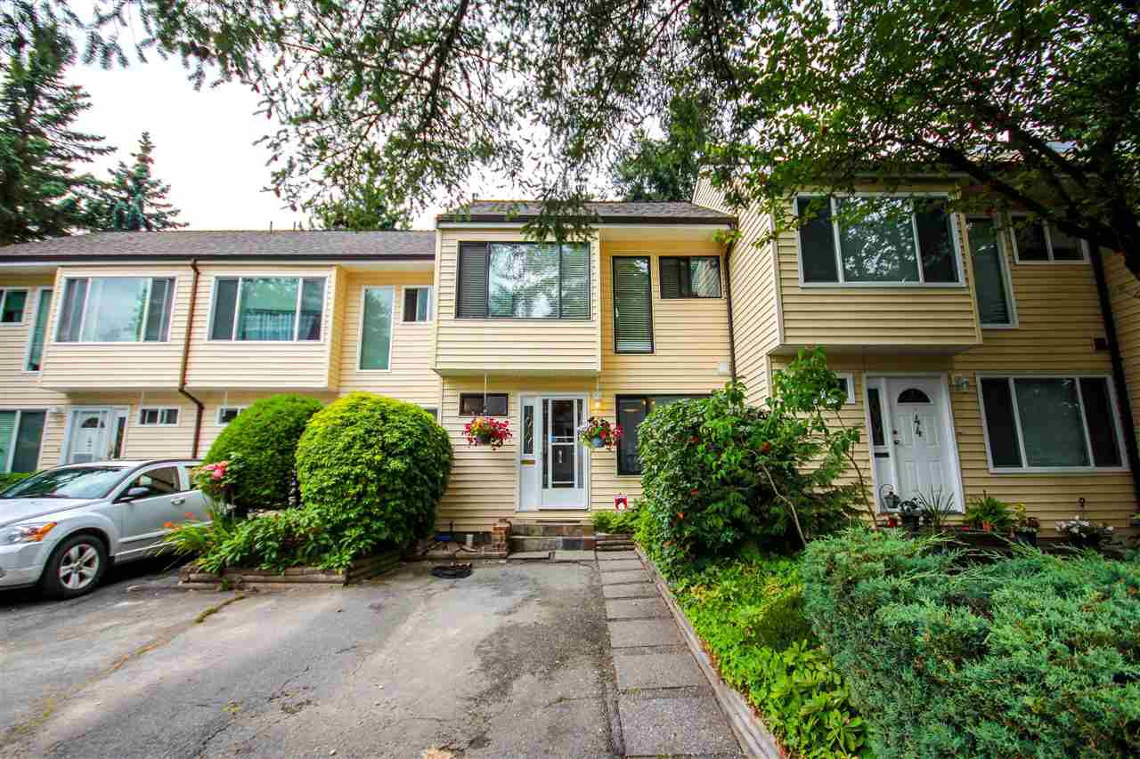 Main Photo: 8 9340 128 STREET in Surrey: Queen Mary Park Surrey Townhouse for sale : MLS®# R2319699