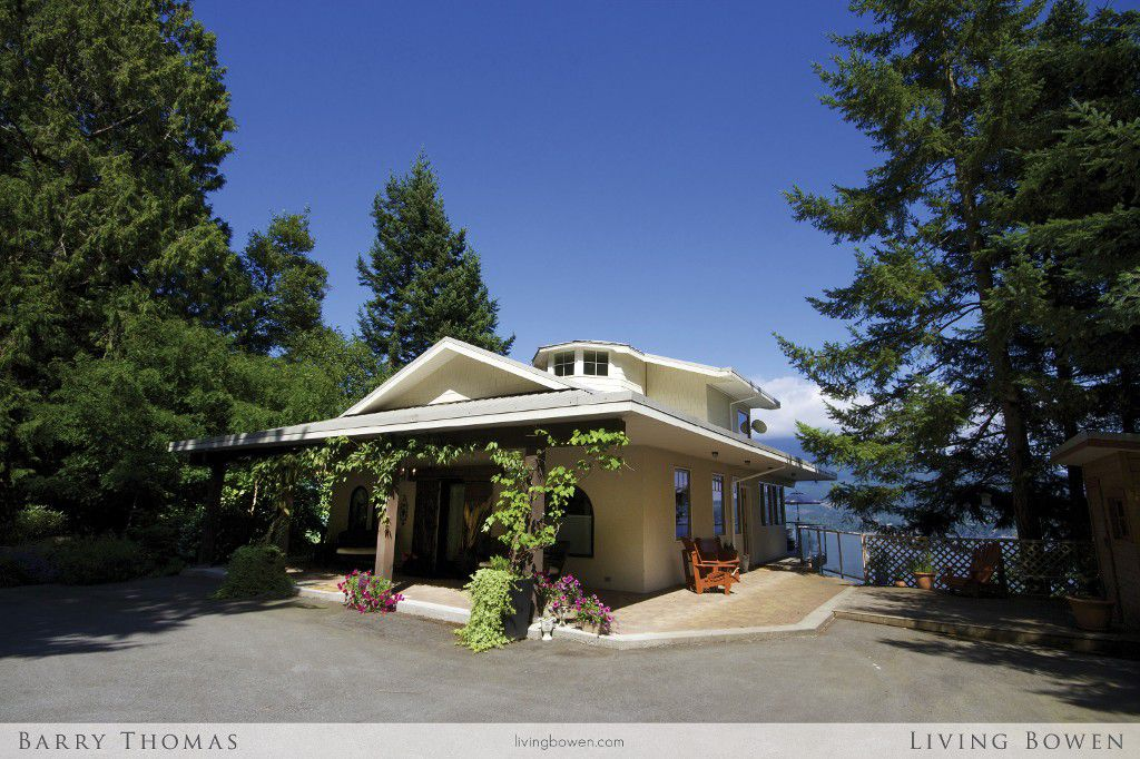 Main Photo: 735 Channel View Drive in Bowen Island: Queen Charlotte Heights House for sale : MLS®# V1078483