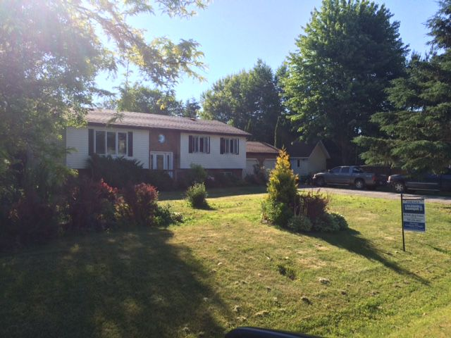 Main Photo: 31 Trent River Road in Bolsover: Freehold for sale (Kawartha Lakes)  : MLS®# X3536230