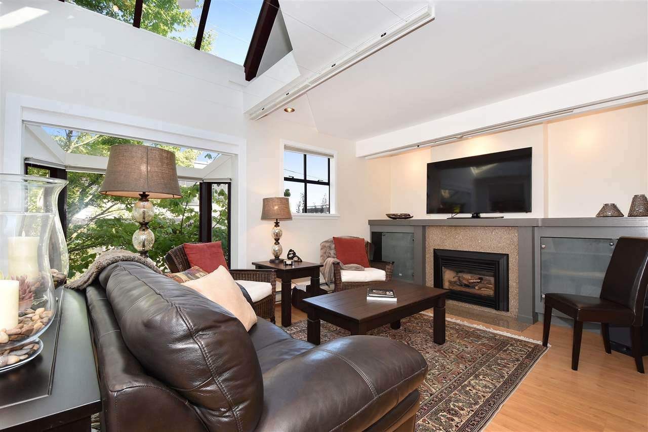 Main Photo: 6 2485 CORNWALL AVENUE in Vancouver: Kitsilano Townhouse for sale (Vancouver West)  : MLS®# R2308764