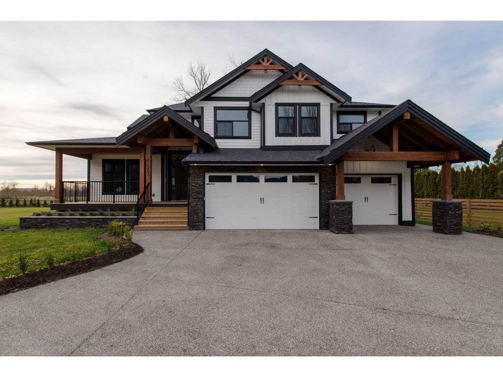 Main Photo: 42263 ELIZABETH AVENUE in Chilliwack: Yarrow House for sale : MLS®# R2333492