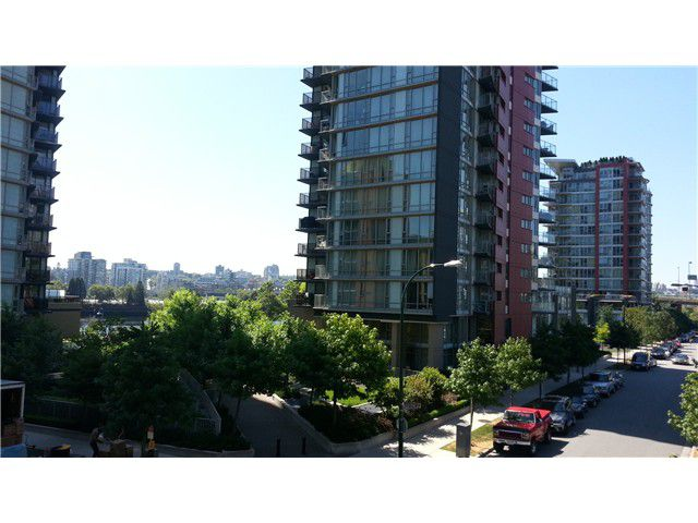 "Main Photo: 302 33 SMITHE ME in Vancouver: Yaletown Condo for sale in ""COOPERS LOOKOUT"" (Vancouver West)  : MLS®# V1020336"