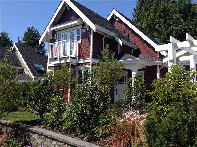 Main Photo: 2039 ESQUIMALT AV in West Vancouver: Ambleside Condo for sale : MLS®# V1010771