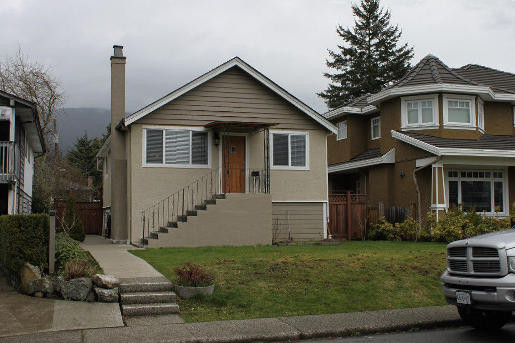 Main Photo: 322 East 19th in North Vancouver: Central Lonsdale House for sale : MLS®# V1014827