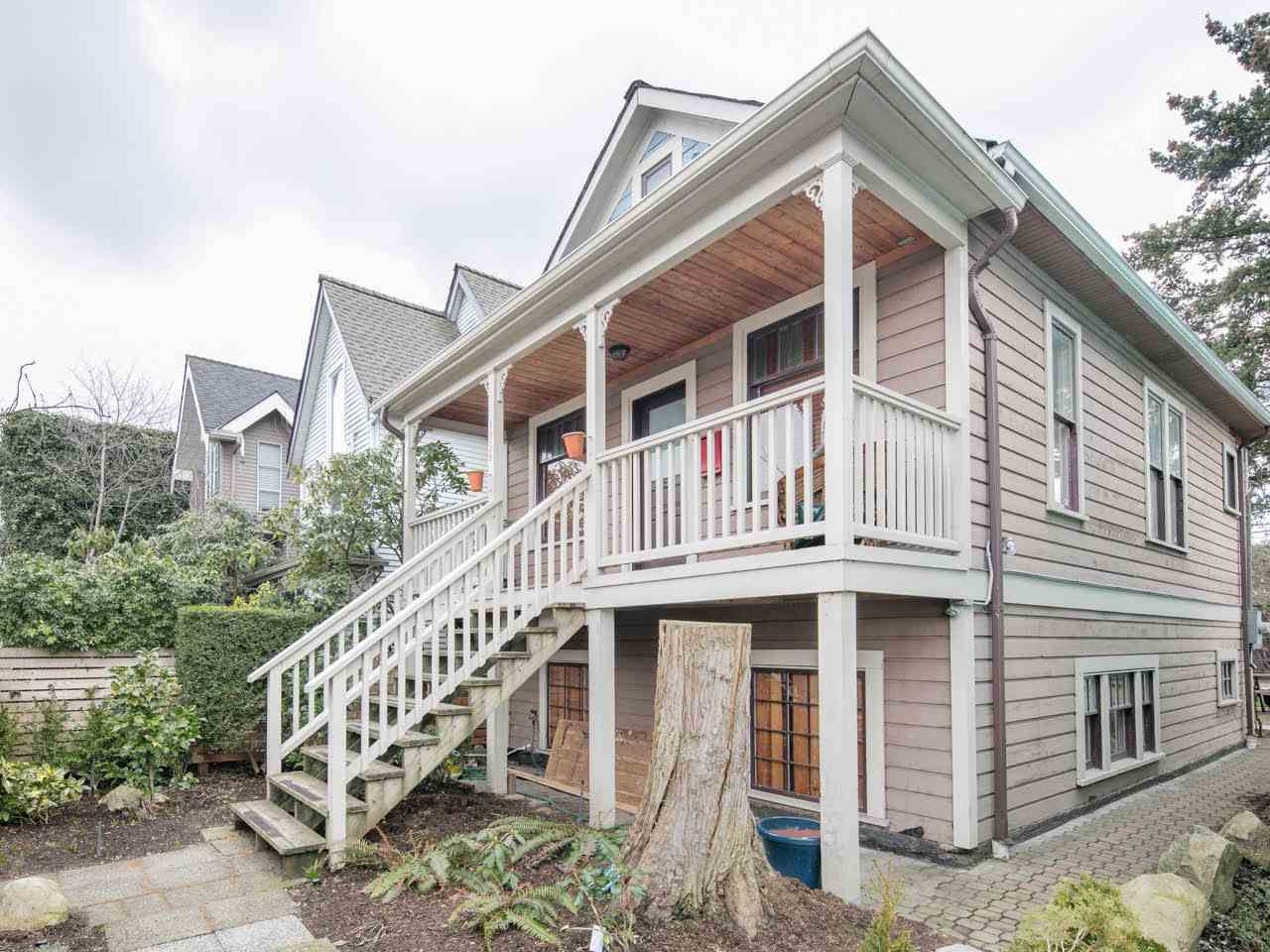 Main Photo: 1156 E PENDER STREET in Vancouver: Mount Pleasant VE House for sale (Vancouver East)  : MLS®# R2143773