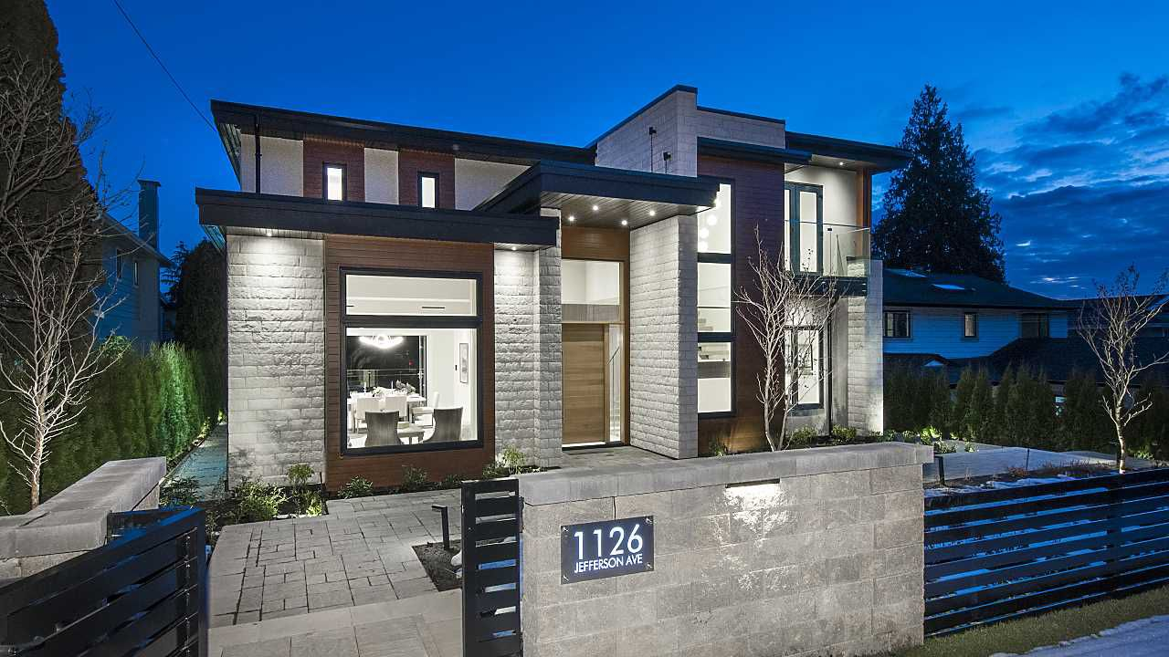 Main Photo: 1126 Jefferson Avenue in West Vancouver: Ambleside House for sale : MLS®# R2345542