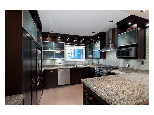 """Main Photo: 101 2776 PINE Street in Vancouver: Fairview VW Condo for sale in """"PRINCE CHARLES APARTMENTS"""" (Vancouver West)  : MLS®# V929119"""