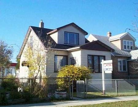 Main Photo: 1096 PRITCHARD: Residential for sale (North End)  : MLS®# 2717853