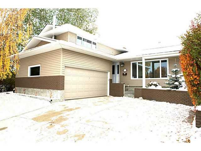 Main Photo: 1520 LAKE TWINTREE Way SE in CALGARY: Lake Bonavista Residential Detached Single Family for sale (Calgary)  : MLS®# C3544535