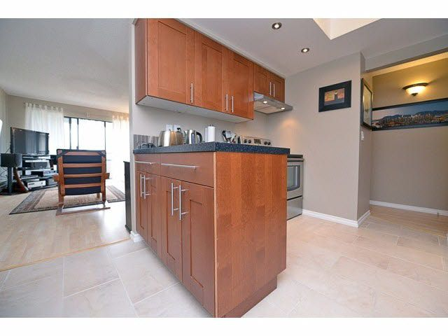 """Main Photo: 307 20420 54TH Avenue in Langley: Langley City Condo for sale in """"RIDGEWOOD MANOR"""" : MLS®# F1420398"""