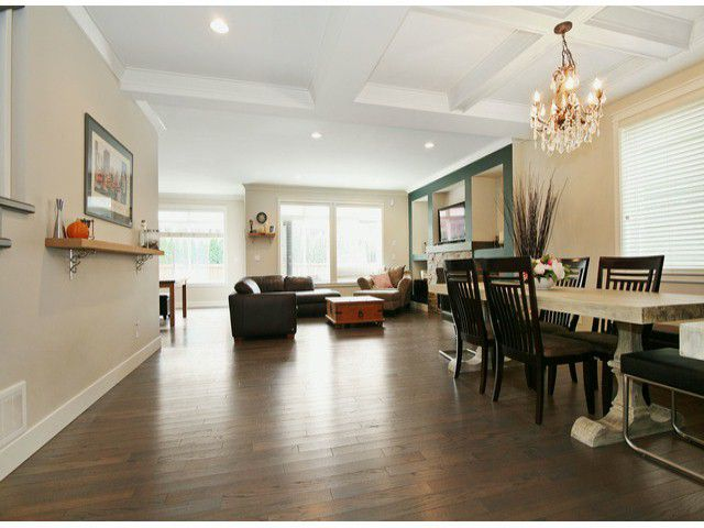 Photo 2: Photos: 17290 1ST AV in Surrey: Pacific Douglas House for sale (South Surrey White Rock)  : MLS®# F1424091
