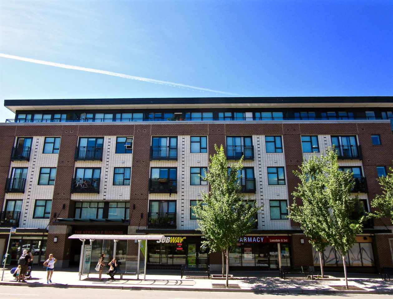 Main Photo: 415 111 E 3RD STREET in North Vancouver: Lower Lonsdale Condo for sale : MLS®# R2078516