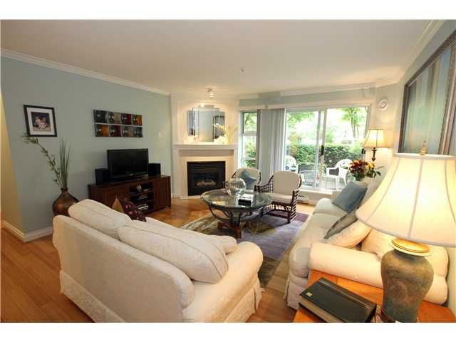 """Main Photo: 6 780 W 15TH Avenue in Vancouver: Fairview VW Townhouse for sale in """"SIXTEEN WILLOWS"""" (Vancouver West)  : MLS®# V959194"""