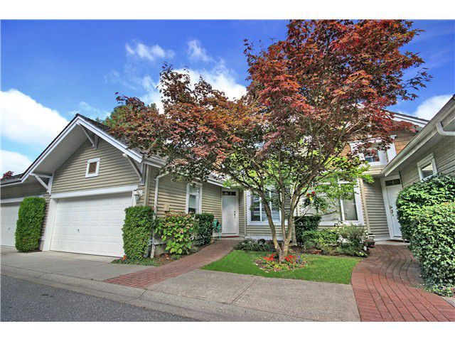 """Main Photo: 8 5240 OAKMOUNT Crescent in Burnaby: Oaklands Townhouse for sale in """"SANTA CLARA"""" (Burnaby South)  : MLS®# V973653"""