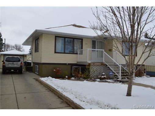 Main Photo: 311 P AVENUE N in Saskatoon: Mount Royal Single Family Dwelling for sale (Saskatoon Area 04)  : MLS®# 446906