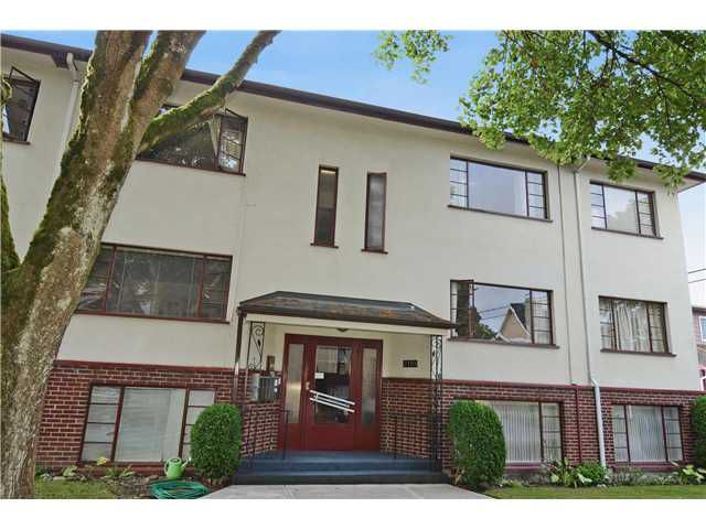 "Main Photo: 4 2110 W 47TH Avenue in Vancouver: Kerrisdale Condo for sale in ""BOULEVARD APARTMENTS"" (Vancouver West)  : MLS®# V1025864"