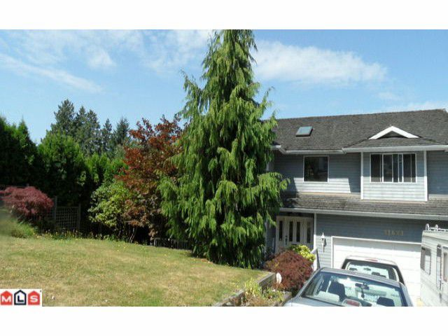 Main Photo: 11681 99A Avenue in Surrey: Royal Heights House for sale (North Surrey)  : MLS®# F1221344