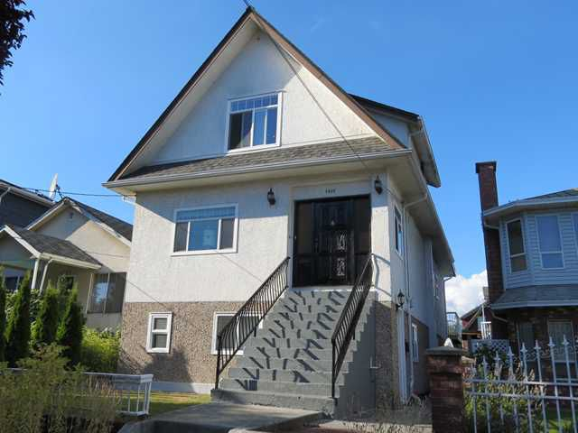 Main Photo: 1041 E 14TH Avenue in Vancouver: Mount Pleasant VE House for sale (Vancouver East)  : MLS®# V969142
