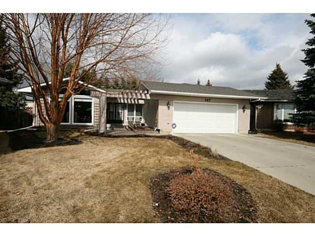 Welcome to 167 Lake Mead Crescent.  A large bungalow in such a desirable location in Lake Bonavista Estates is a rare find!