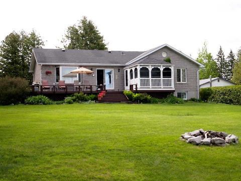 Main Photo: 77 Driftwood Shores Road in KAWARTHA LAKES: Freehold for sale : MLS®# X3179948