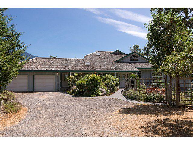 Main Photo: 252 Jason Road in Bowen Island: Millers Landing House for sale : MLS®# V1131498
