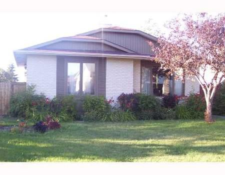 Main Photo: 42 MALIBU RD.: Residential for sale (Tyndall Park)