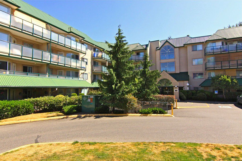 "Main Photo: 419 2962 TRETHEWEY Street in Abbotsford: Abbotsford West Condo for sale in ""Cascade Green"" : MLS®# F1316098"