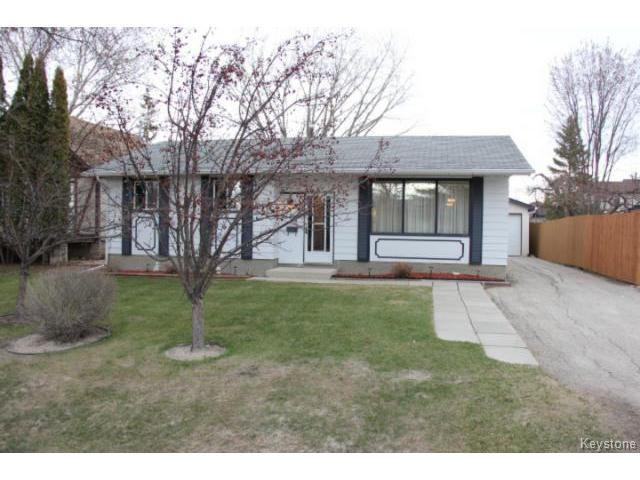 Main Photo: 695 Elmhurst Road in WINNIPEG: Charleswood Residential for sale (South Winnipeg)  : MLS®# 1410875