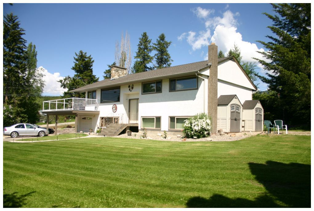 Main Photo: 1730 Northeast 23 Avenue in Salmon Arm: NE Salmon Arm House for sale : MLS®# 10083123