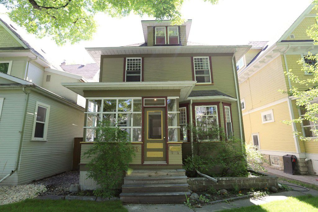 Welcome to 453 Greenwood Pl. in Wolseley!