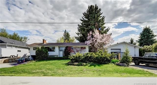 Main Photo: 2071 Fisher Road, in Kelowna: House for sale : MLS®# 10158196