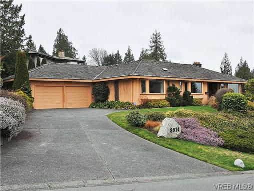 Main Photo: 8914 Pender Park Drive in NORTH SAANICH: NS Dean Park Single Family Detached for sale (North Saanich)  : MLS®# 319927