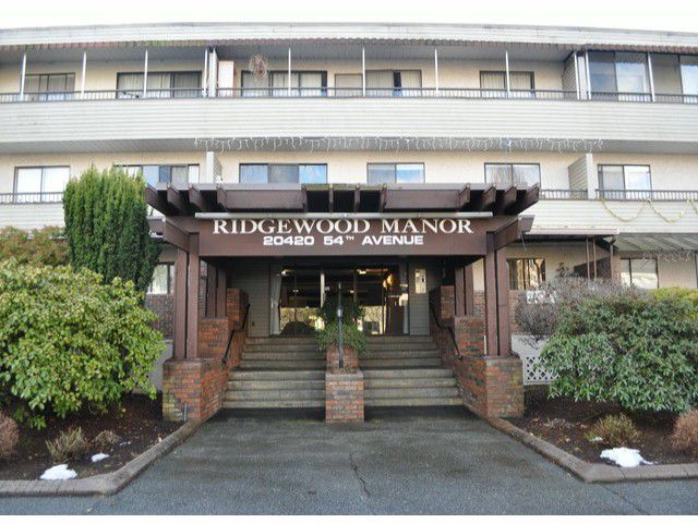 Main Photo: 208 20420 54th Ave in Langley: Langley City Condo for sale : MLS®# F1327409