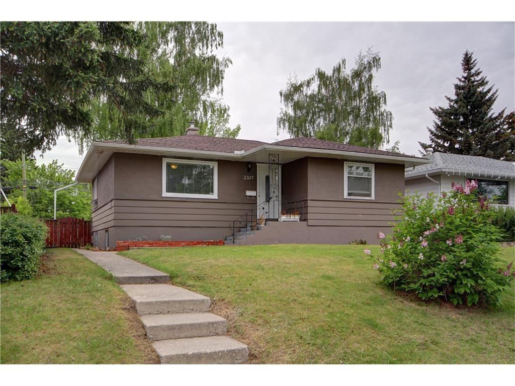 Main Photo: 2327 22A Street NW in CALGARY: Banff Trail House for sale (Calgary)  : MLS®# C4067297