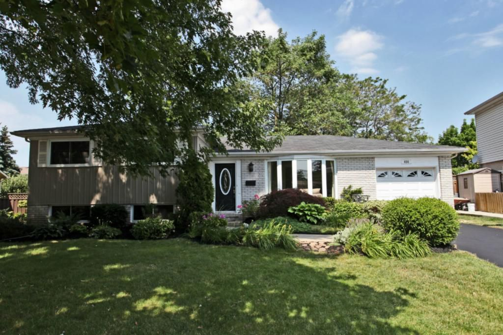 Main Photo: 456 Withnell Cres in : 1020 - WO West FRH for sale (Oakville)  : MLS®# OM2045624