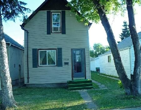 Main Photo: 1916 PACIFIC AVE. W.: Residential for sale (Canada)  : MLS®# 2815068