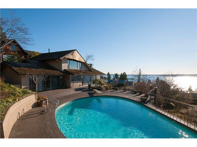 Main Photo: 2625 Nelson Avenue in West Vancouver: Dundarave House for sale : MLS®# V1103365